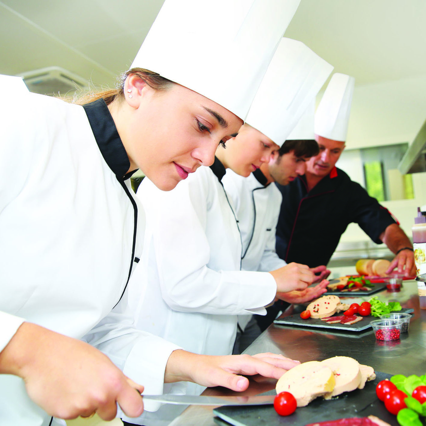 Operatore della ristorazione – Preparazione degli alimenti e allestimenti piatti