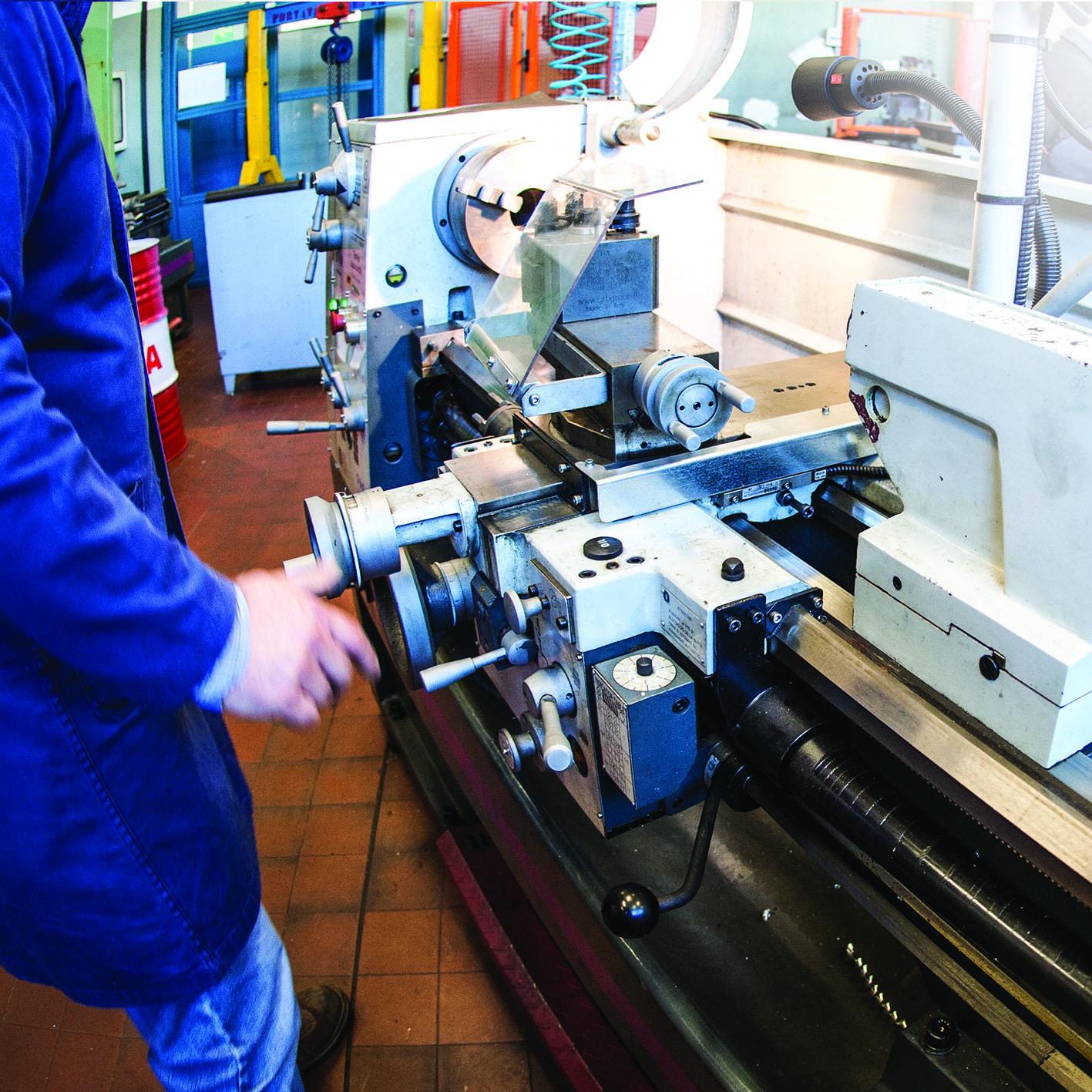 Operatore meccanico – Lavorazioni meccaniche per asportazione e deformazione